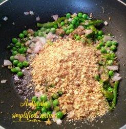 Add fried or roasted groundnut powder
